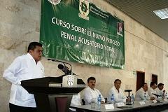 YUCATÁN, PRIMER ESTADO DEL PAIS CON SERVIDORES PÚBLICOS CAPACITADOS EN MATERIA DE JUICIOS ORALES
