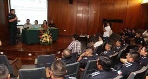 Policía Municipal recibe capacitación para atender la violencia estudiantil