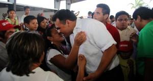 Rolando Zapata inicia gira de agradecimiento