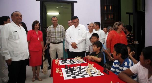 Inaugura Gobernador espacio deportivo en beneficio de habitantes de Espita