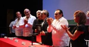 """Entregan Premio Estatal de Literatura """"Antonio Mediz Bolio"""""""