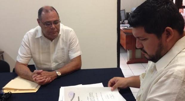 Se inscribe Jorge Eduardo Zavala Castro para Rector de la UADY