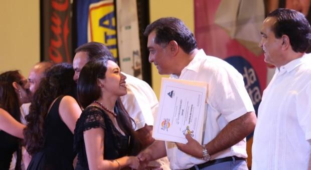 Premian a ganadores del concurso emprendedor de la Expoferia del Comercio
