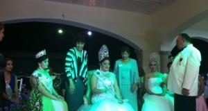 Coronan a la nueva reina del Club de Leones de Mérida A.C