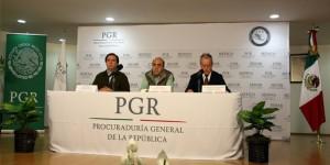 Ofrece PGR hasta un millón y medio por paradero de normalistas desaparecidos