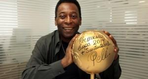 El Rey Pelé es hospitalizado de emergencia