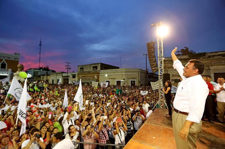 """Al PAN le urge tener un """"Rolando Zapata"""" en sus filas."""