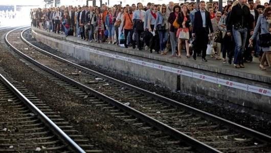 Sindicatos franceses anuncian huelga de trenes