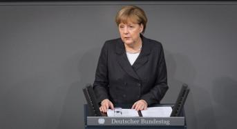 Merkel frena expectativas de Grecia al descartar una oferta mejorada